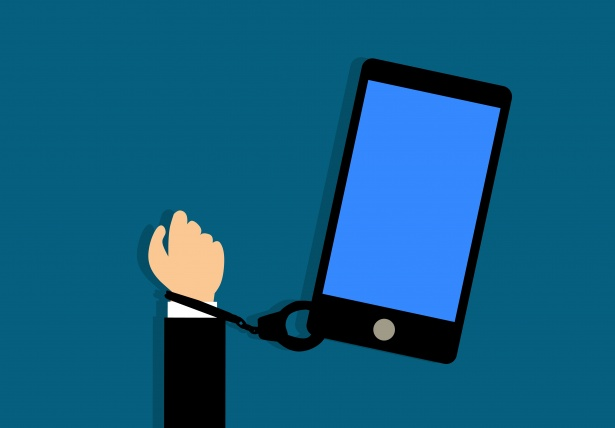 Phones trap us in an addictive state of constant attachment. Photo courtesy  of Pixabay.