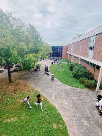 A view into one of the C.H.S courtyards during lunch.
